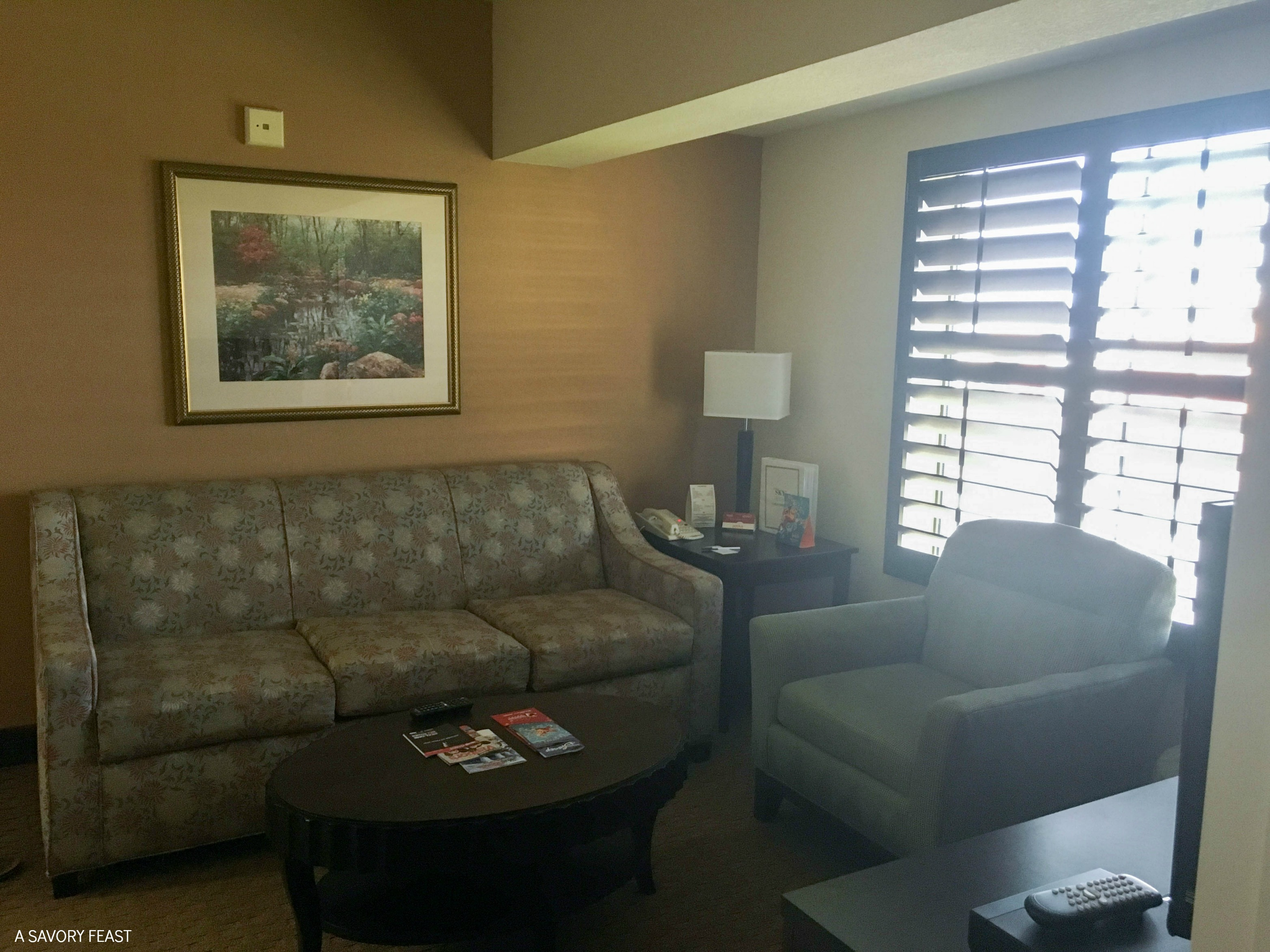 Orlando Weekend Getaway at StaySky Suites // Stay close to all the attractions off of International Drive! Plus a few ideas for non-Disney things to do.