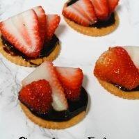 Strawberry Fudge RITZ Stacks