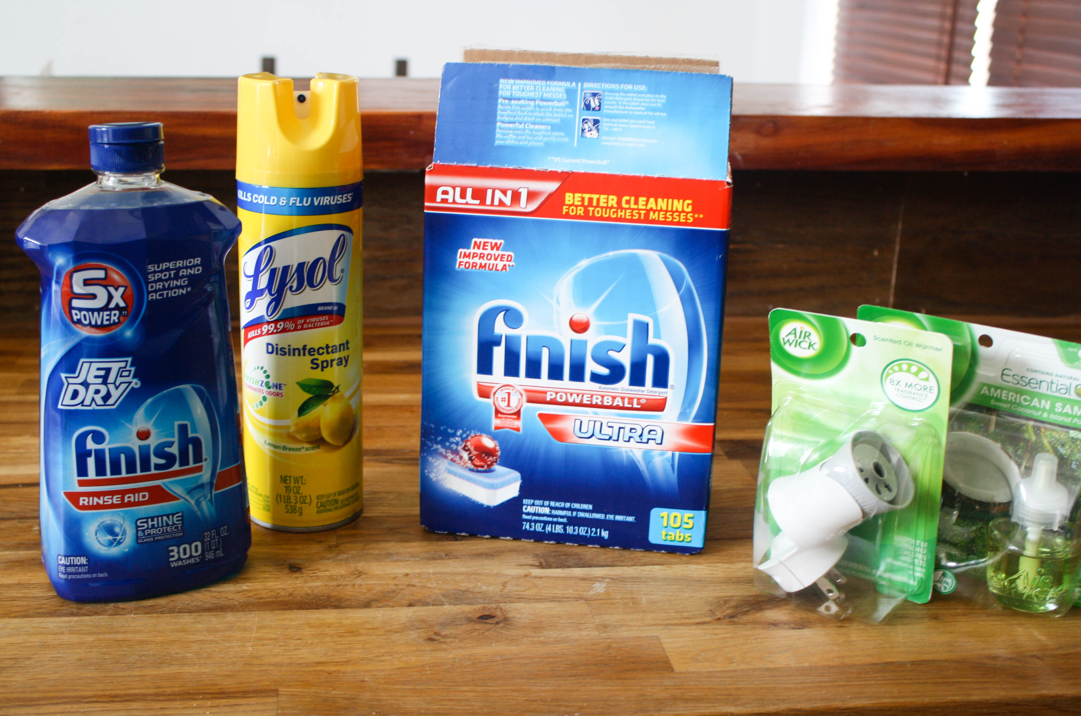 These spots could be dirtier than you think! Here are 5 Areas of Your Kitchen To Deep Clean This Spring