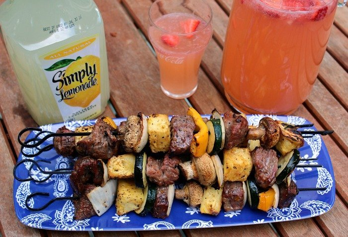 Sweet-And-Zesty-Steak-Kabobs-Cooked-with-Strawberry-Lemonade