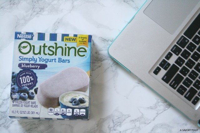 Take a mid-day reset snack break with Outshine! These delicious bars will help you #snackbrighter! #sponsored