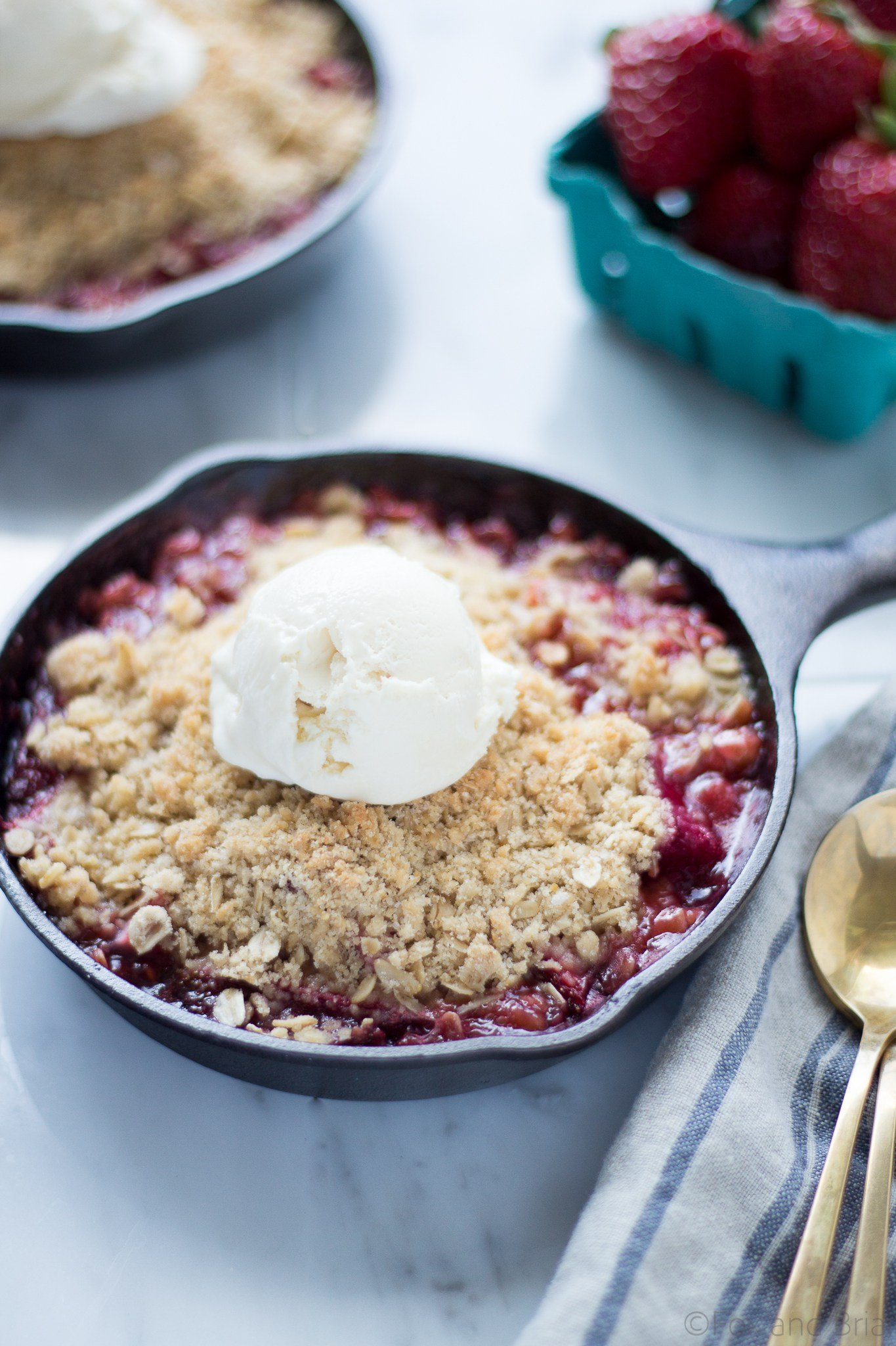 strawberry-rhubarb-crisp-12-of-13