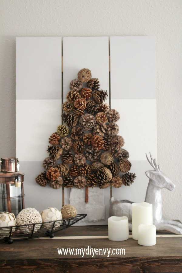 holiday-pinecone-decor