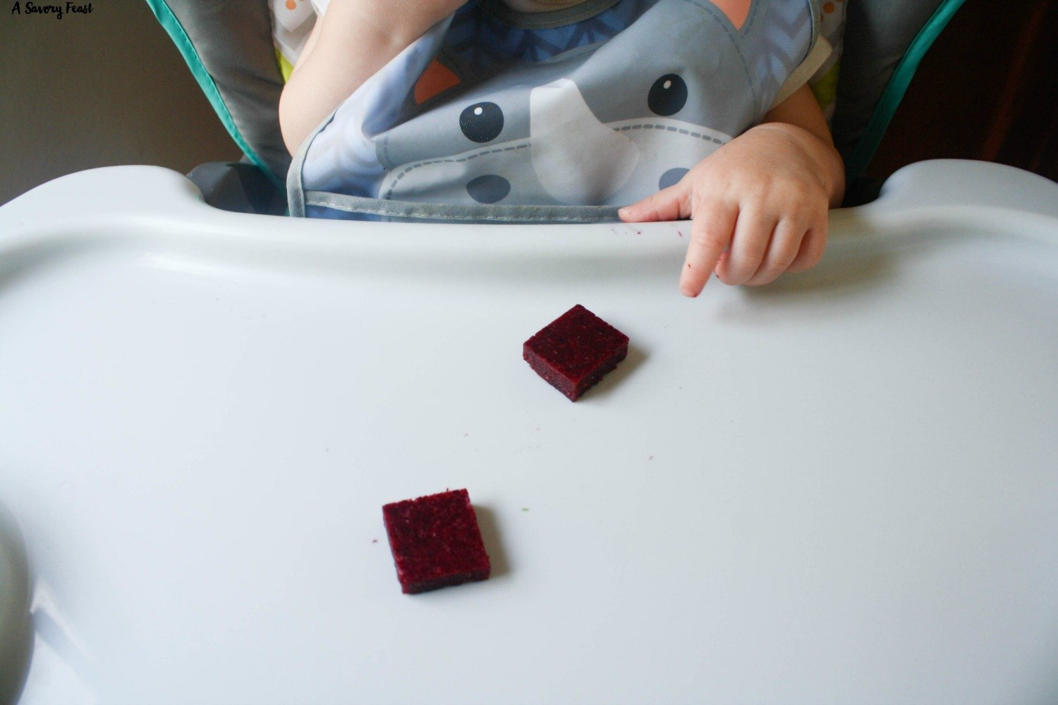 Fruit Gummies are a great homemade snack idea for toddlers.