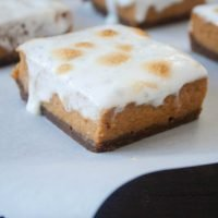 Marshmallow Pumpkin Pie Bars with Gingersnap Crust