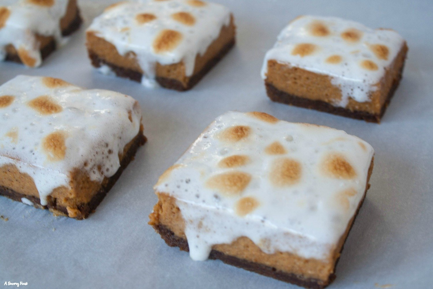 Get in my tummy! Marshmallow Pumpkin Pie Bars with Gingersnap Crust