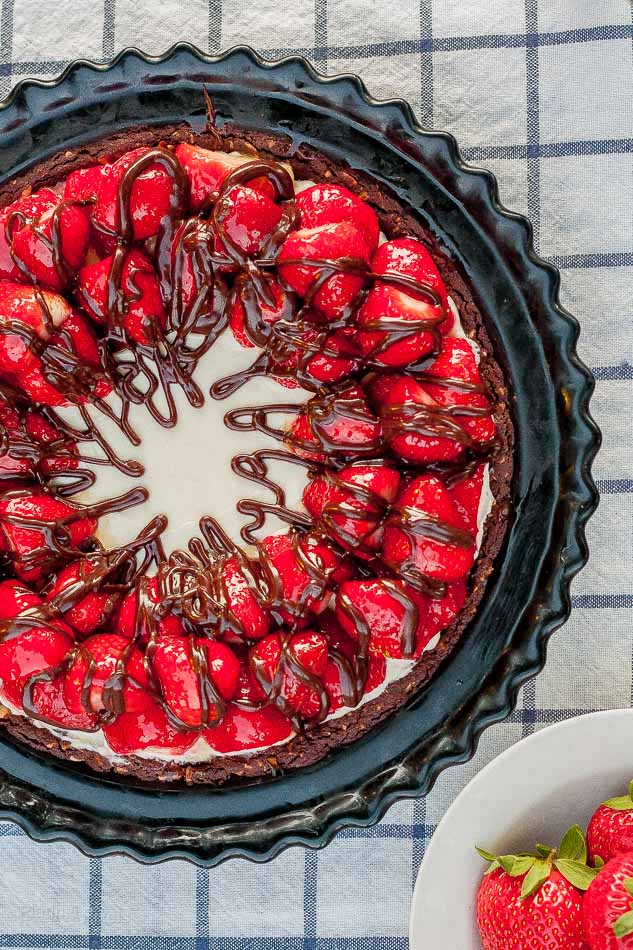 Strawberry Hazelnut No Bake Cheesecake from Plated Pixels